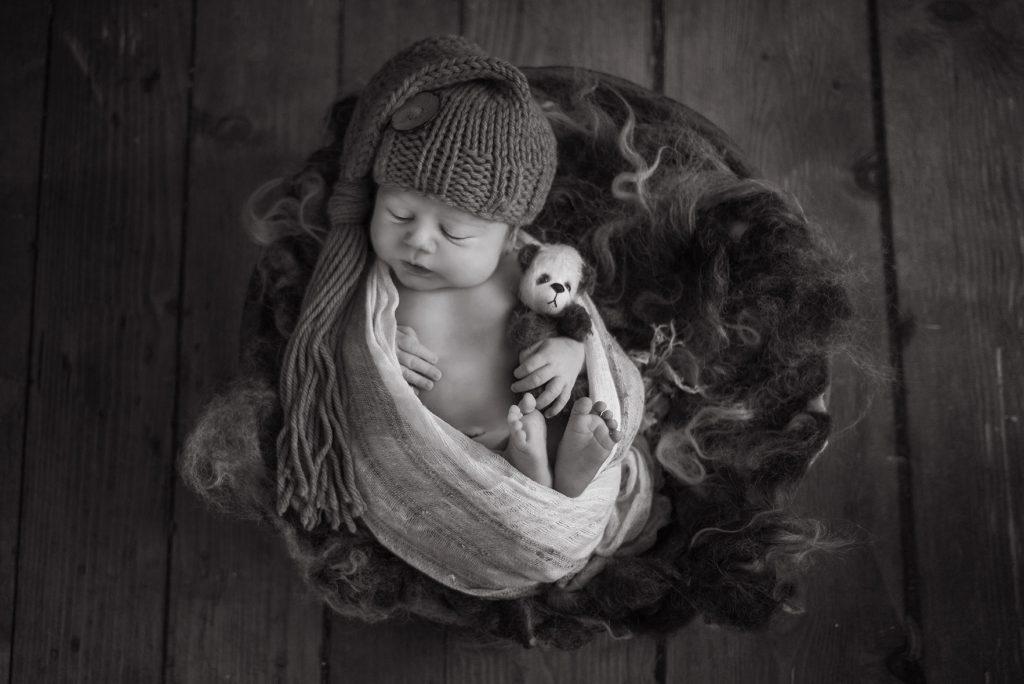 Black and white baby photos - Newborn photographer Essex