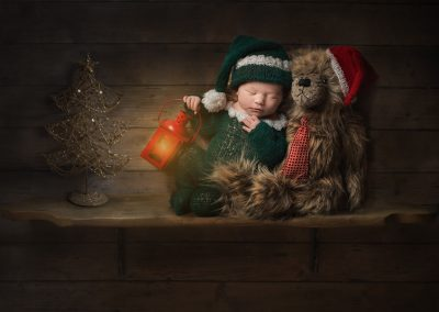 Essex Newborn Photographer - Elf on the shelf newborn photo