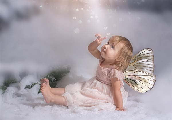 Snow fairy – child photographer Christmas photoshoots