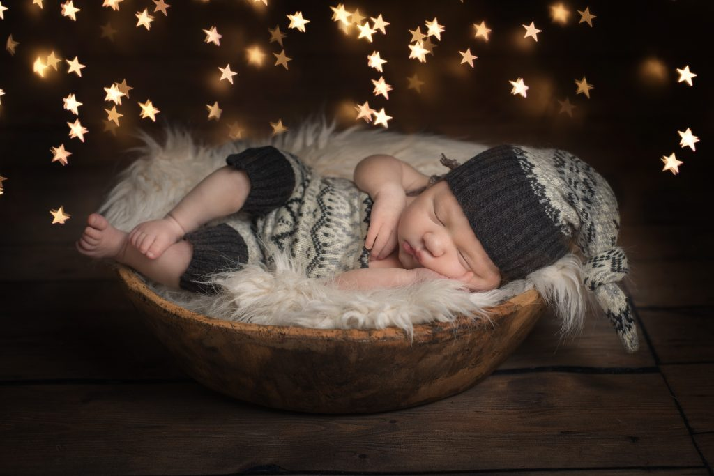 Essex baby photography - baby bowl lights