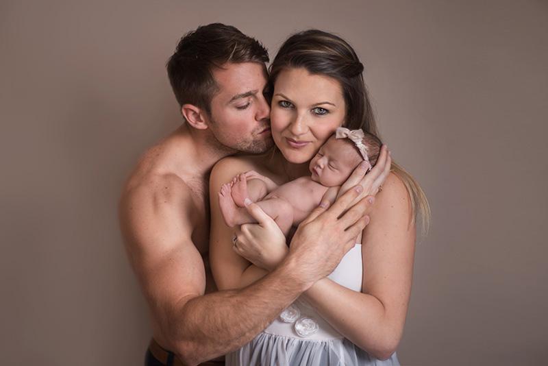 Stunning family & newborn photos - Essex Newborn Photographer covering Witham and surrounding areas