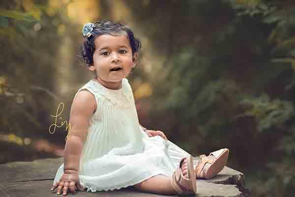 Beautiful natural outdoors photos Great Bentley Child Photographer
