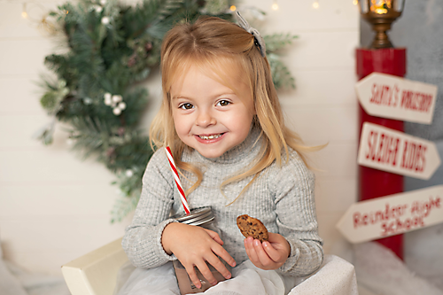 Christmas mini sessions the hot chocolate stand - Essex children's photographer Liz Wood